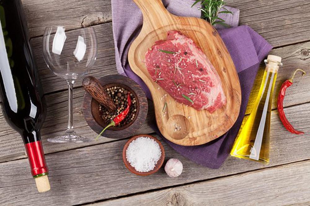 Víno a jedlo - vhodné kombinácie a tipy pri varení