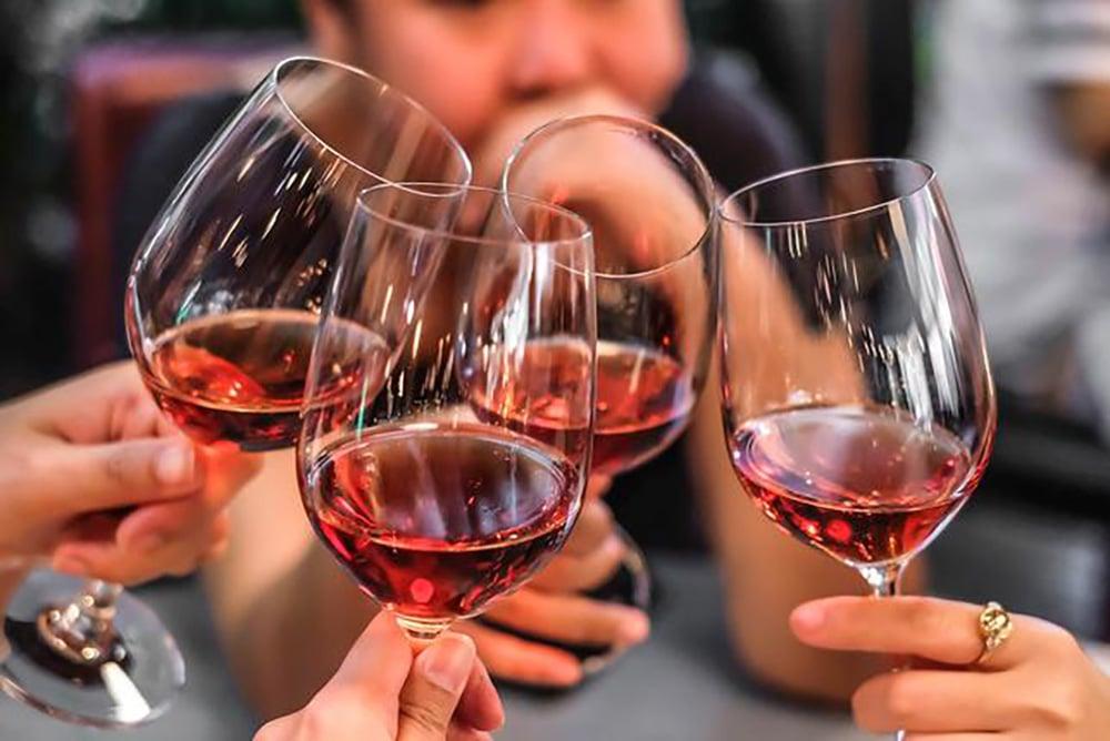 Víno ako liek - kedy po ňom siahnuť?