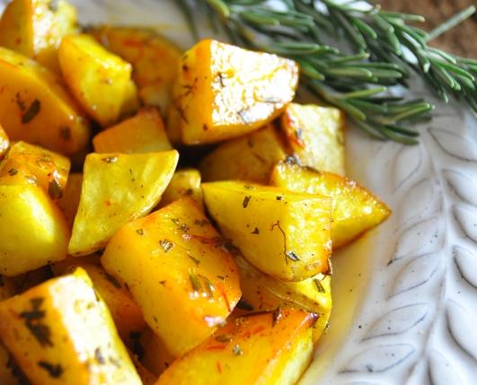 Recept: Bylinkové opekané zemiaky na víne | regioWine