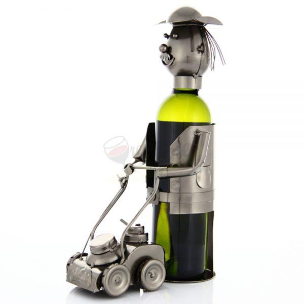Kovový stojan na víno s motívom Záhradník s kosačkou, Promitor Vinorum | regioWine