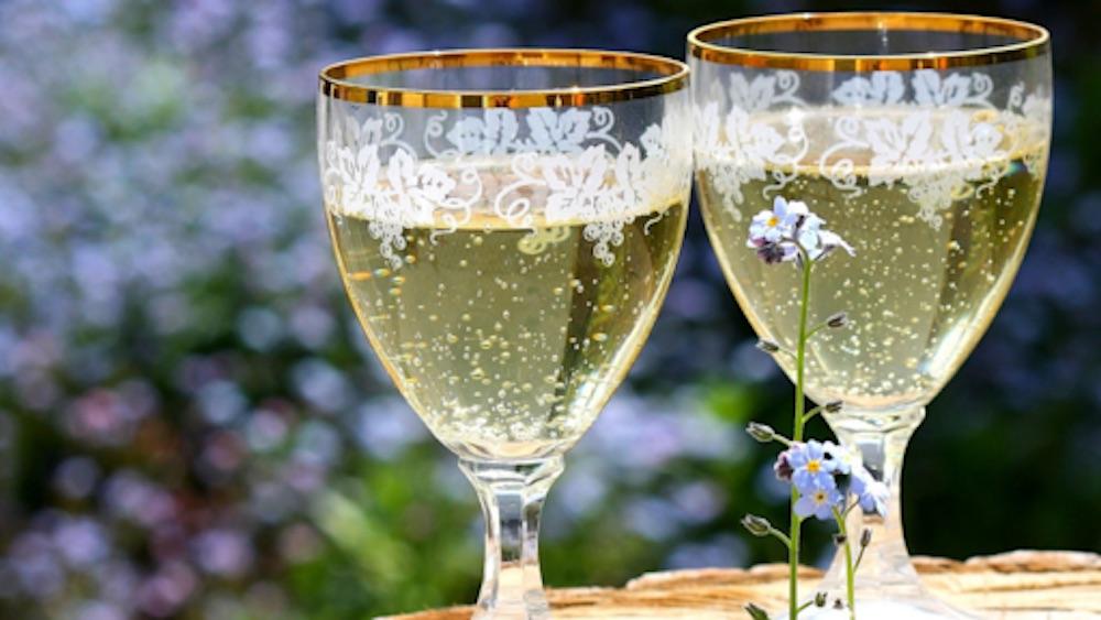 Sóda alebo minerálka? Ako správne pripraviť vínny strik | regioWine